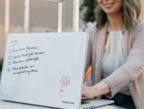 HustleCase, la cover che trasforma MacBook Pro in lavagna bianca