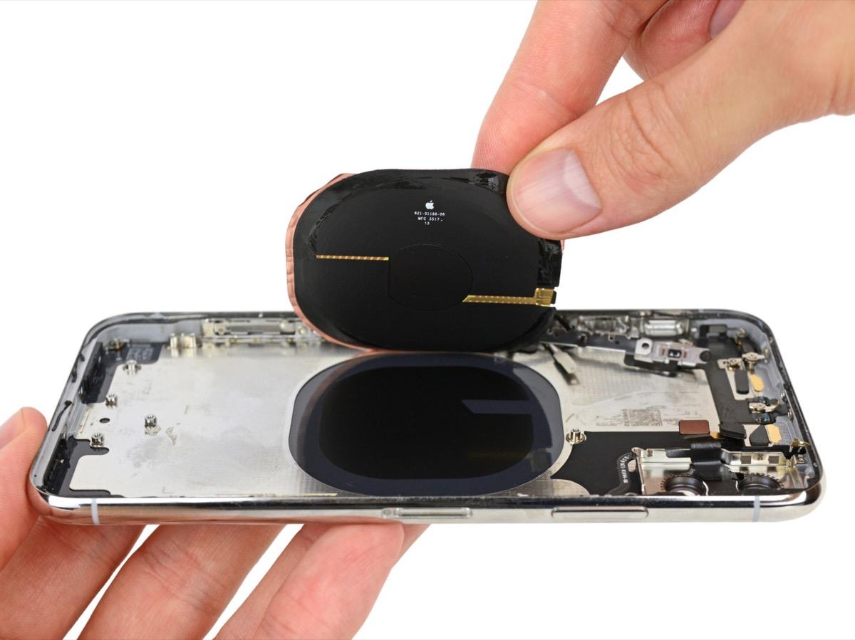 iPhone X smontato