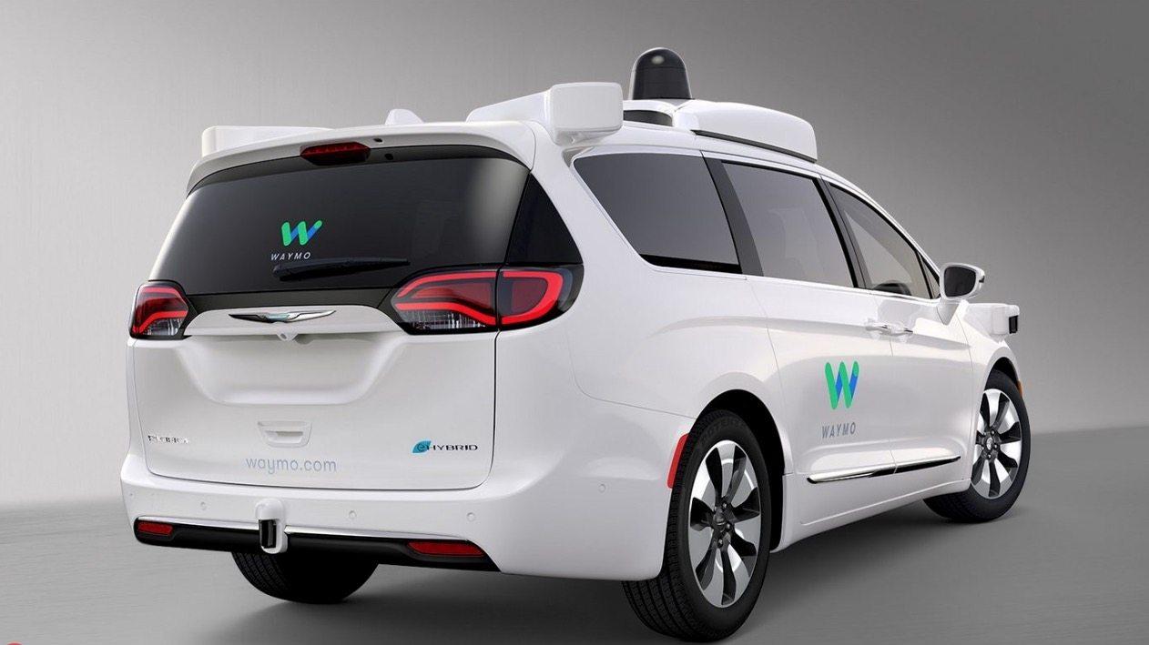 waymo - foto auto a guida autonoma Waymo di Google