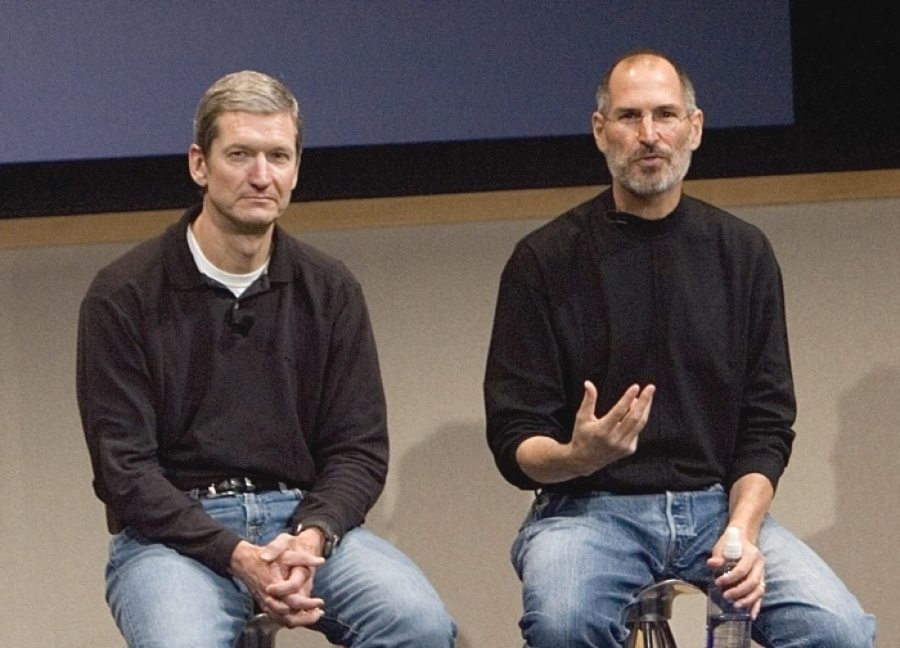Tim Cook e Steve Jobs