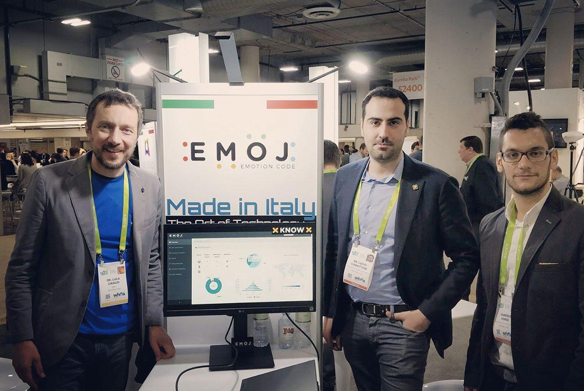 Ina foto del team Emoji presente al booth nel padiglione Italia all'Eureka Park