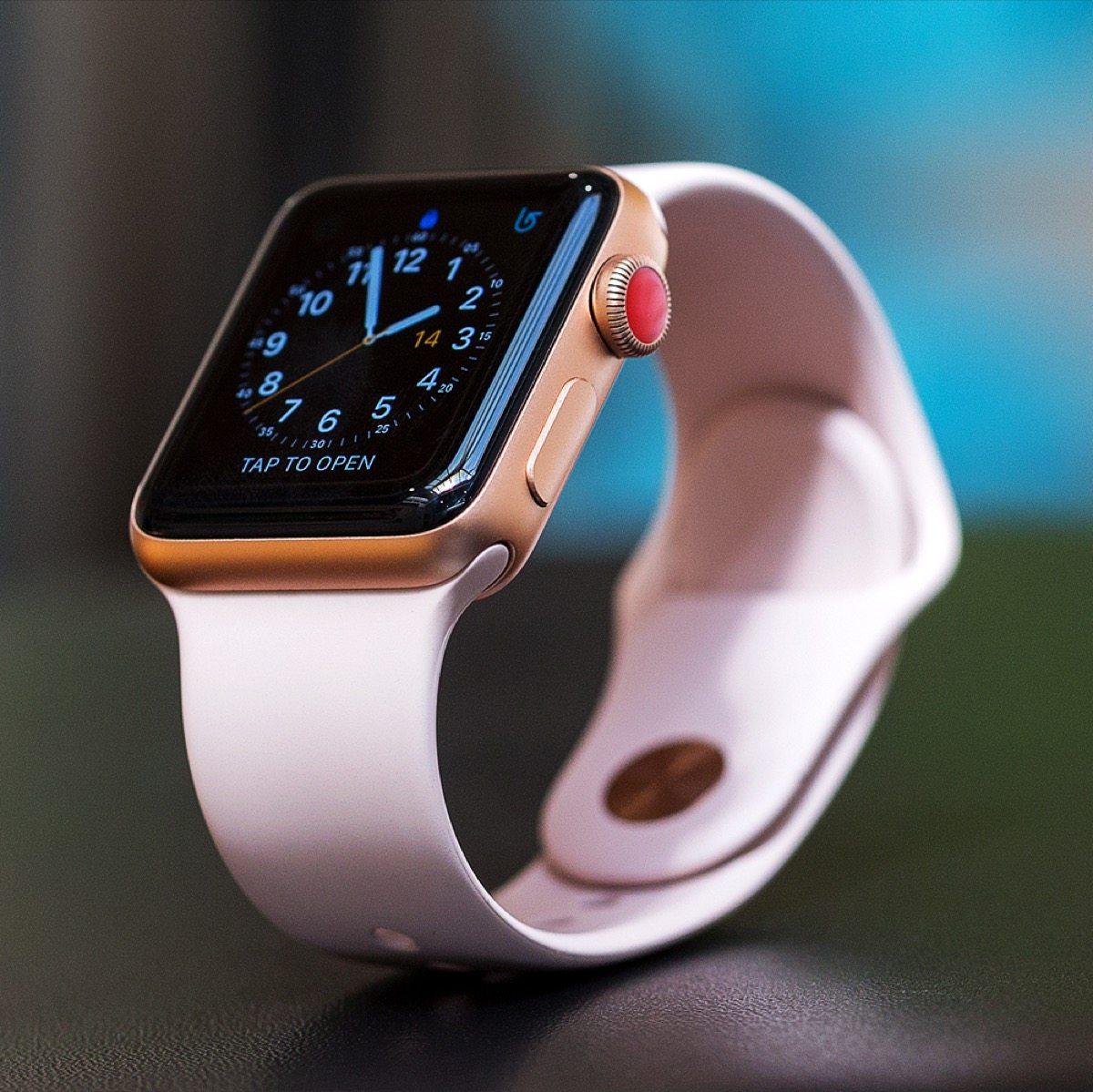 apple apple watch 3 vende il doppio della serie 2 il miglior trimestre di sempre. Black Bedroom Furniture Sets. Home Design Ideas