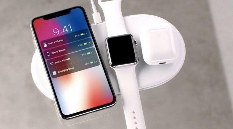 La base AirPower, progettata da Apple è in grado di ricaricare contemporaneamente iPhone, Apple Watch e AirPods.