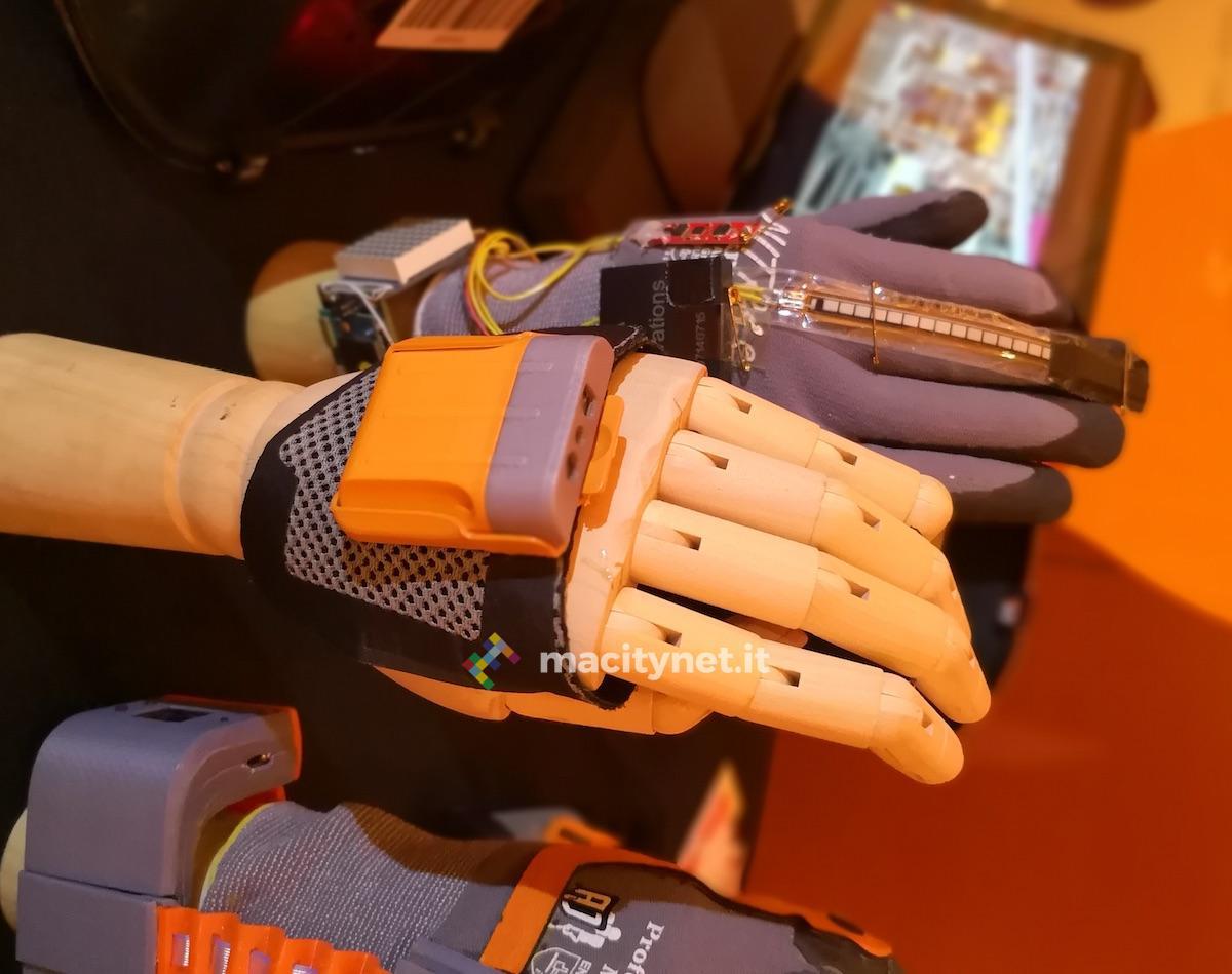 proglove - Il braccialetto elettronico Amazon e l'analfabetismo degli italiani