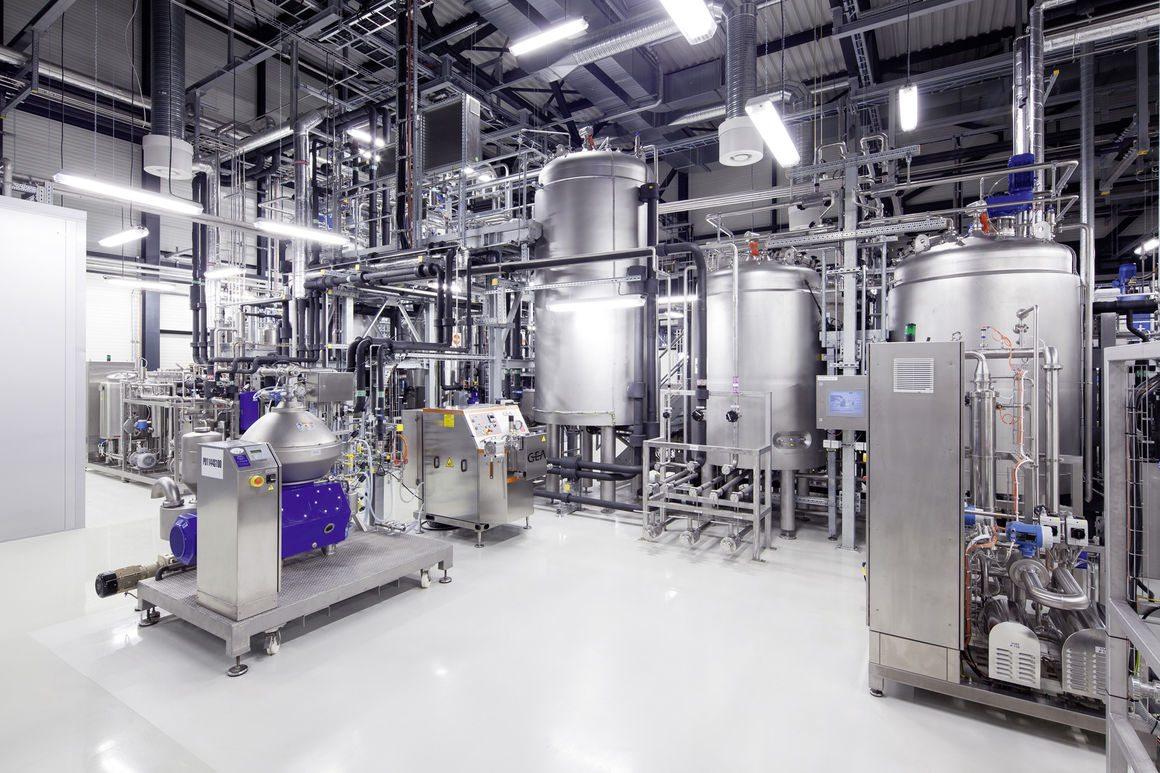 Nel 2014 Audi ha stretto un accordo con Global Bioenergies, azienda francese specializzata in carburanti alternativi.