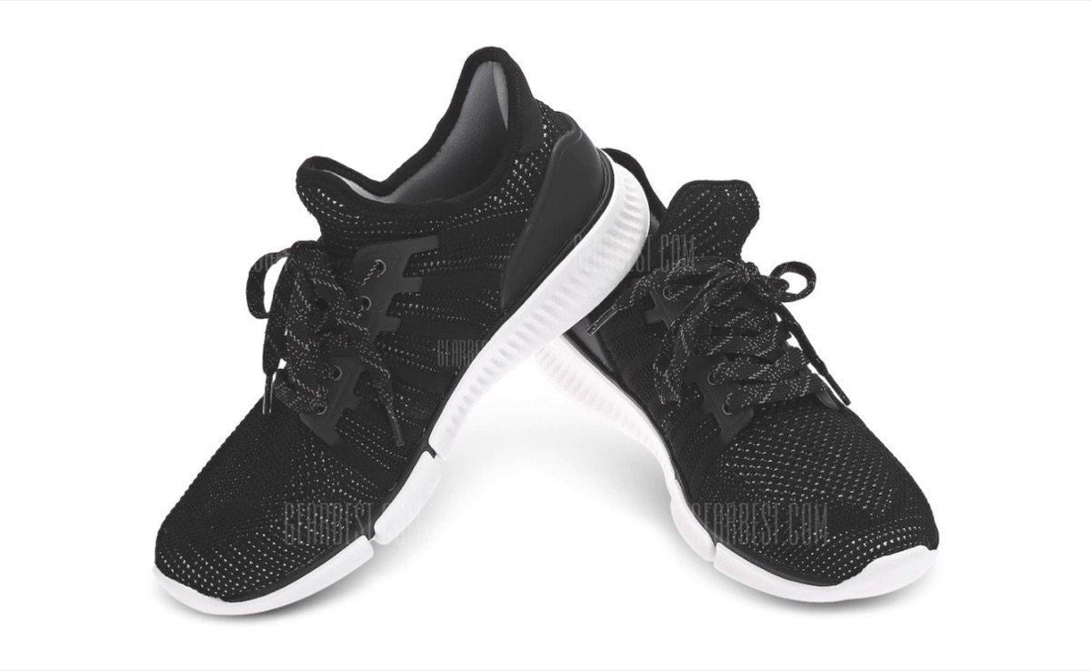Xiaomi Smart Sneakers, scarpe da ginnastica con sensori