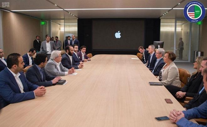 Il principe saudita Mohammed Bin Salman ha incontrato i dirigenti di Apple