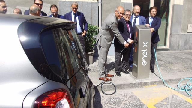 A Catania in arrivo 48 colonnine per la ricarica di veicoli elettrici