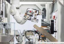 Ti presento Daisy, il robot Apple che ricicla un iPhone in 11 secondi