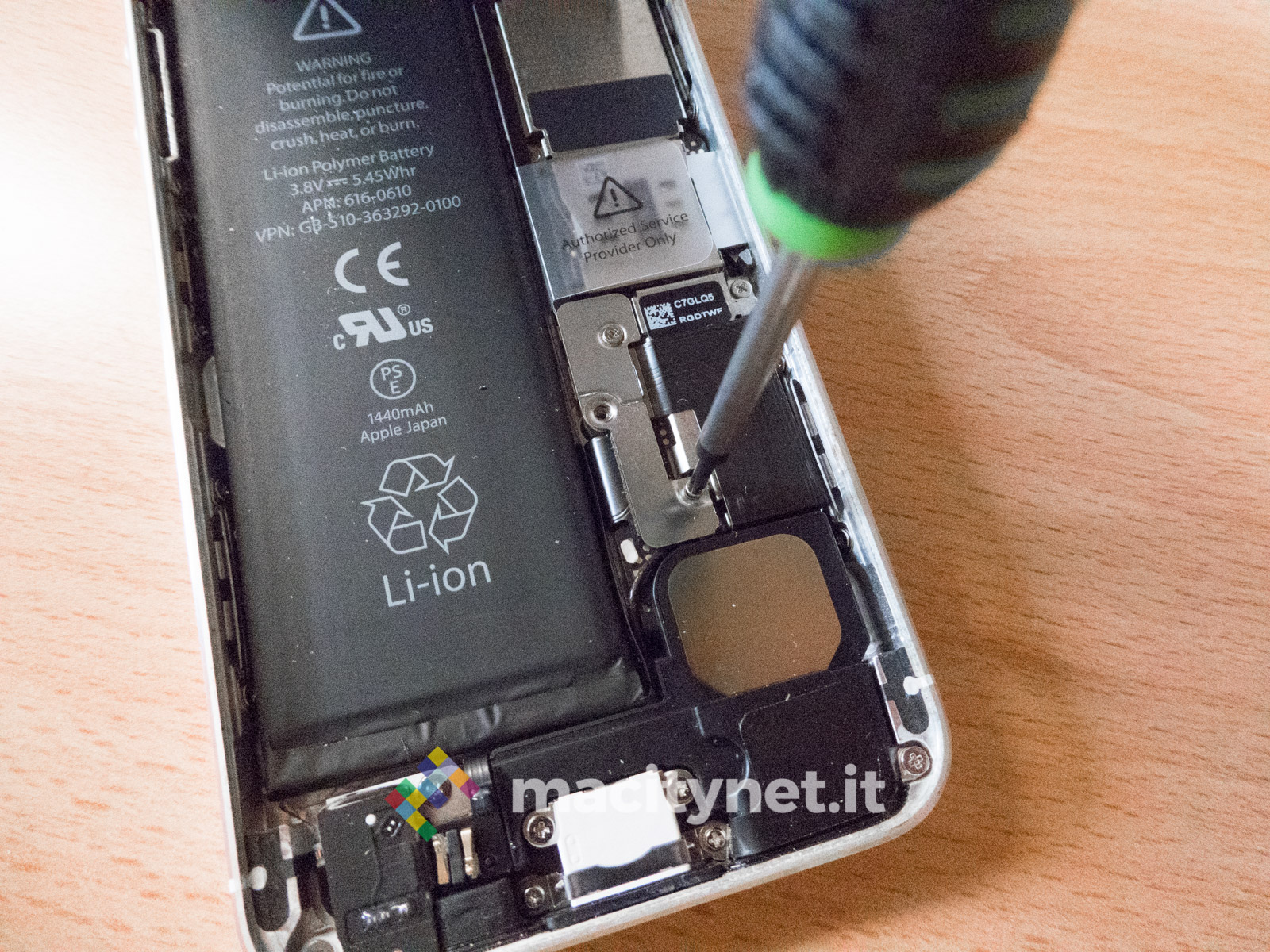 Recensione GIGA Fixxoo BATTERIA iPhone 5s, iPhone 4, iPhone 6 come sostituire
