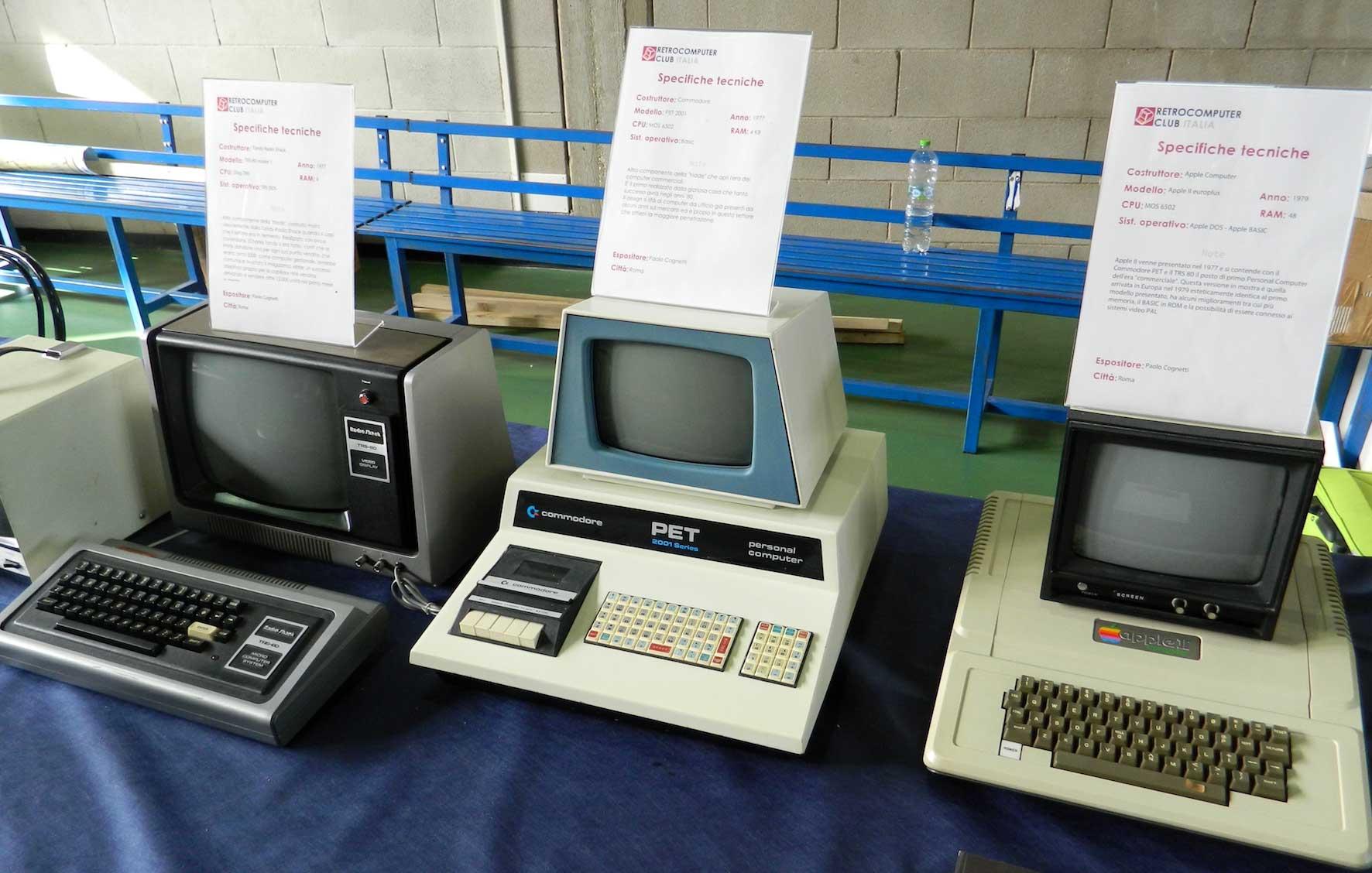 Da sinistra - TRS 80, Commodore PET 2001, Apple II