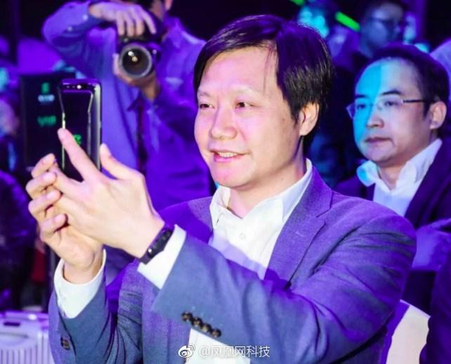Xiaomi Mi Band 3, foto avvistata al polso del CEO