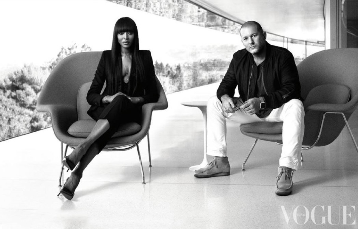 Naomi Campbell intervista Jony Ive presso Apple Park