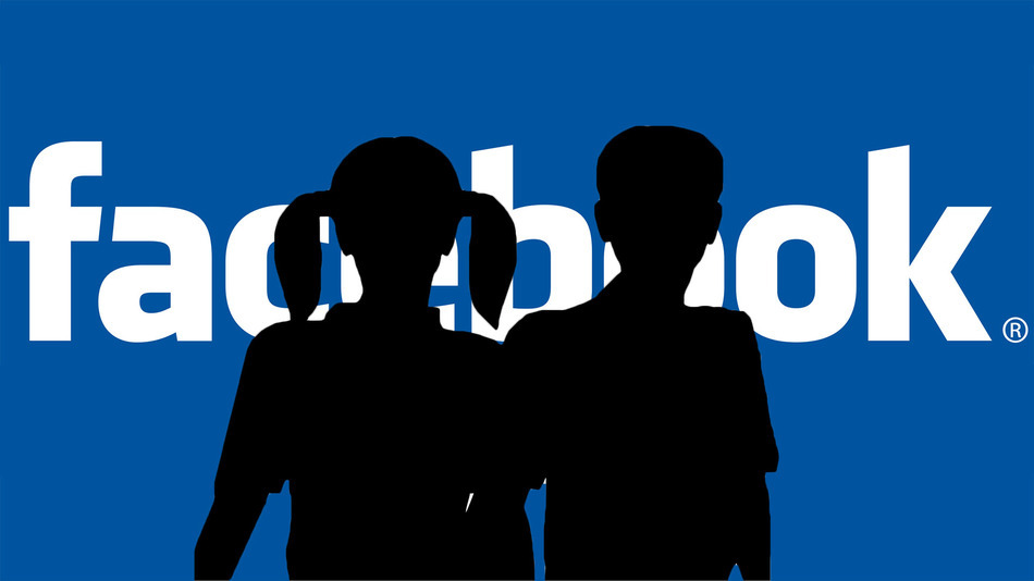 accesso facebook, foto logo facebook minori