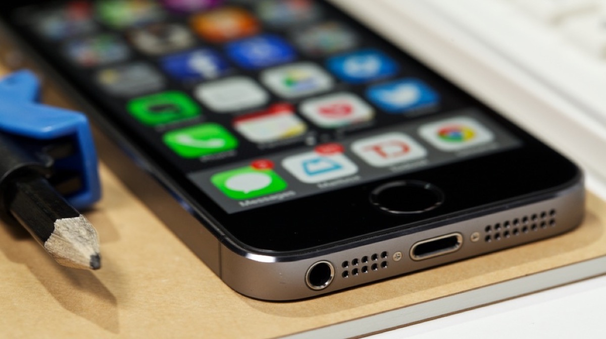 iphone 5s supporterà ios 12, bordo inferiore di iphone 5s