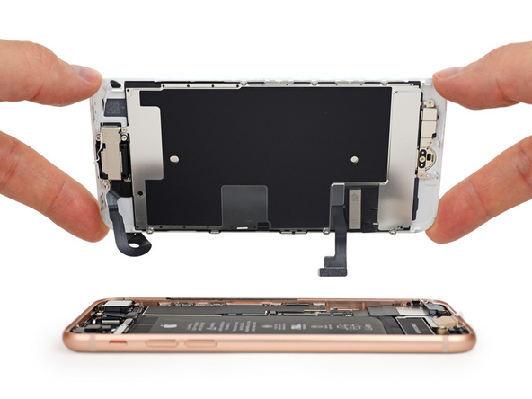 sostituzione schermo rotto di iPhone 8  sostituire schermo iPhone