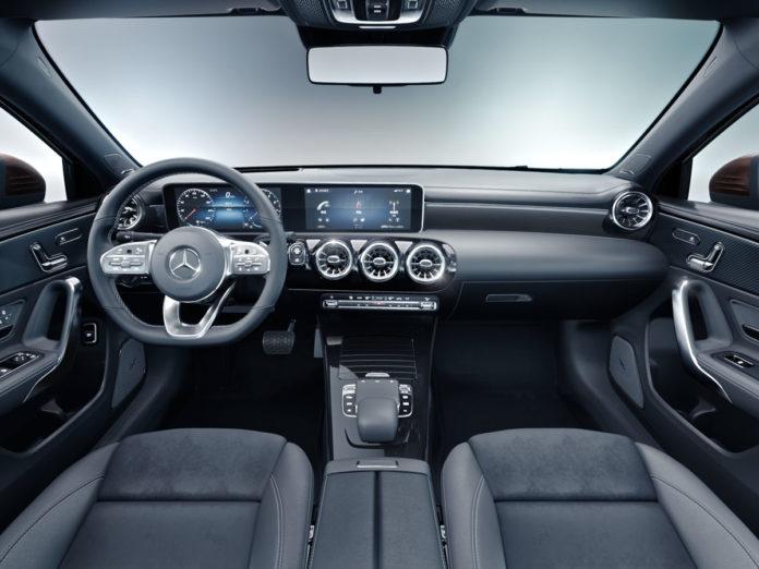 MBUX Mercedes Carplay