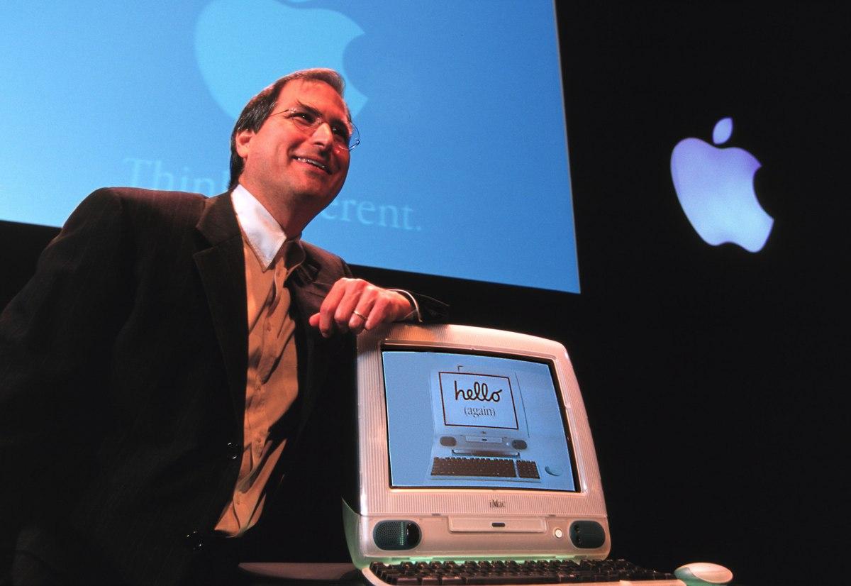 Il primo iMac 20 anni fa,Jobs rivoluziona Pc e salva Apple