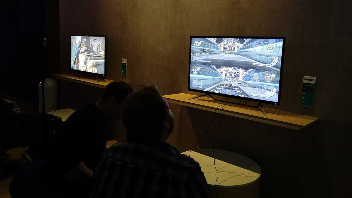 Philips 436M6VBPAB, il monitor per console gaming certificato da VESA