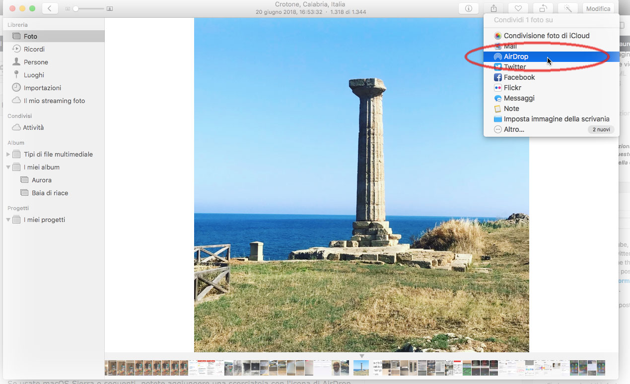 È possibile inviare file direttamente da varie applicazioni Mac ad altri Mac o dispositivi iOS usando il pulsante dedicato alla Condivisione