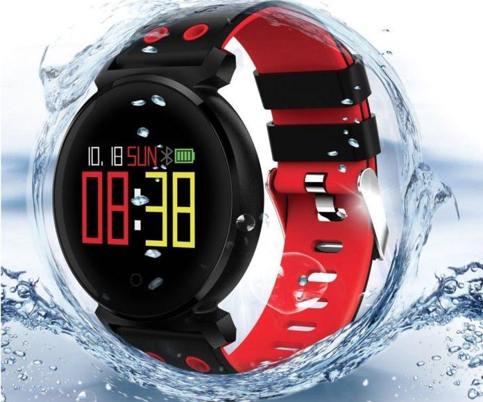 Cacgo K2, lo smartwatch con frequenza cardiaca e pressione del sangue: solo 17 euro