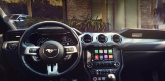 CarPlay, con iOS 12 arrivano Google Maps e Waze