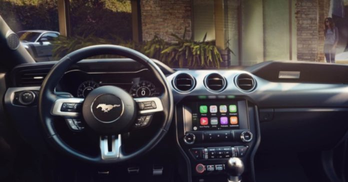 CarPlay, con iOS 12 arrivano Google Maps e Waze