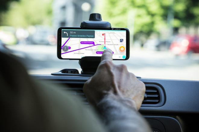 Panda Waze, tecnologia Uconnect per viaggiare con iPhone