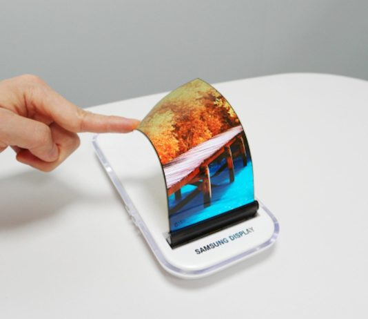 Galaxy X, lo smartphone pieghevole Samsung potrebbe costare il doppio di iPhone X
