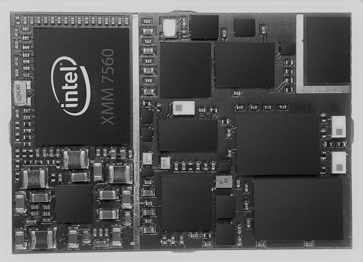 Intel XMM 7560 foto del chip modem che sarà impiegato nei nuovi iPhone 9
