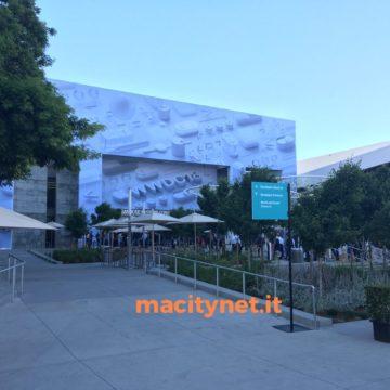 WWDC 2018, il saluto di Tim Cook, ingresso tramite Face ID e Touch ID