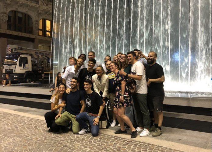 Apple Piazza Liberty Milano: in fila con Angela Ahrendts