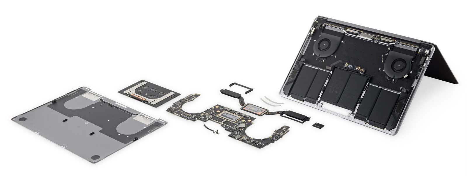 """MacBook Pro 13"""" 2018 smontato"""