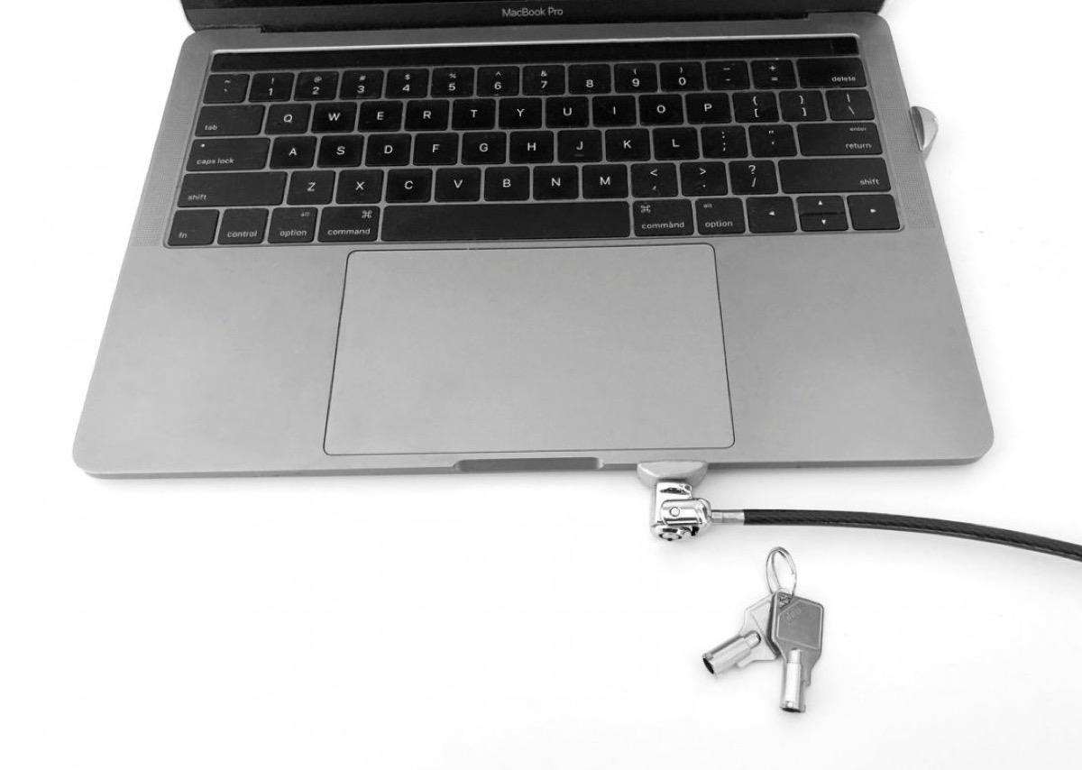 Maclocks, pronta la serratura per i nuovi MacBook Pro 2018 con Touch Bar