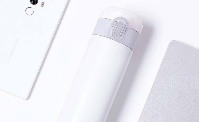 Thermos in acciaio, tiene le bevande al caldo/freddo fino a 12 ore: solo 13 euro