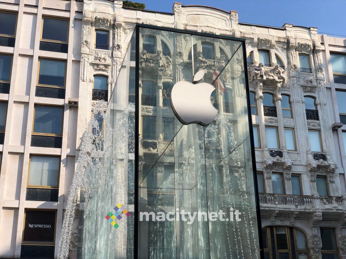 Inaugurazione Apple Piazza Liberty vista da Macitynet