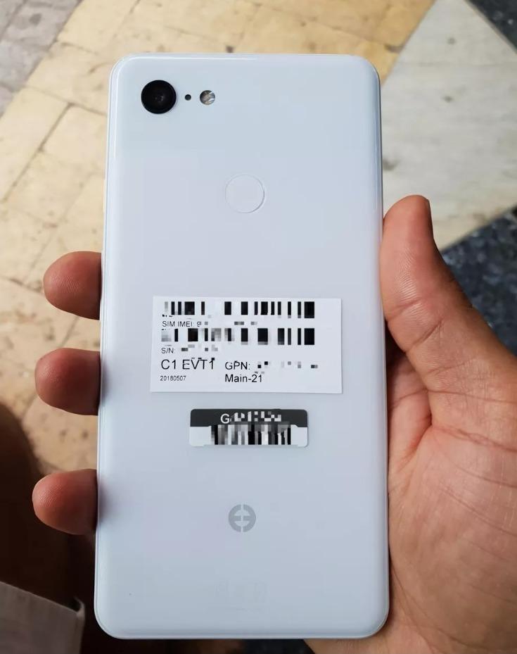 Ecco il Pixel 3 XL in alcune immagini trapelate online, con tanto di notch