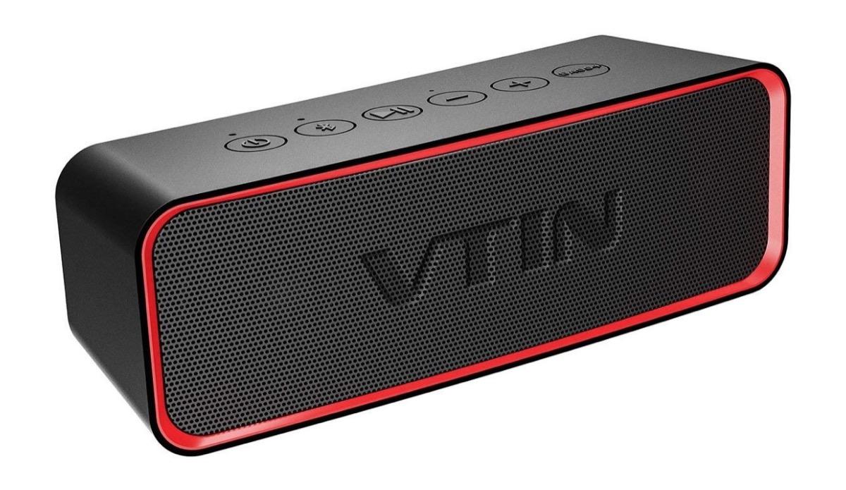 Speaker Bluetooth impermeabile, potenza 10 W con Bass+ in sconto a 16,99 euro