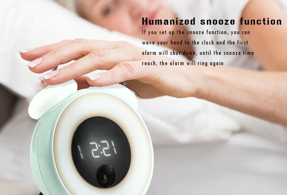 Sveglia LED smart Utorch con riconoscimento delle persone a solo 23 euro