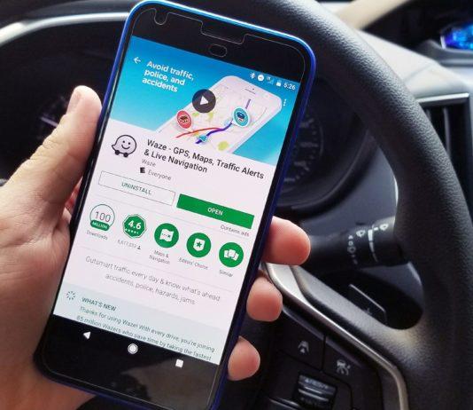 Waze arriva su Android Auto per smartphone, presto anche su CarPlay