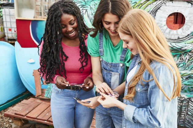 Canon Zoemini, la stampante wireless tascabile per iPhone e Android