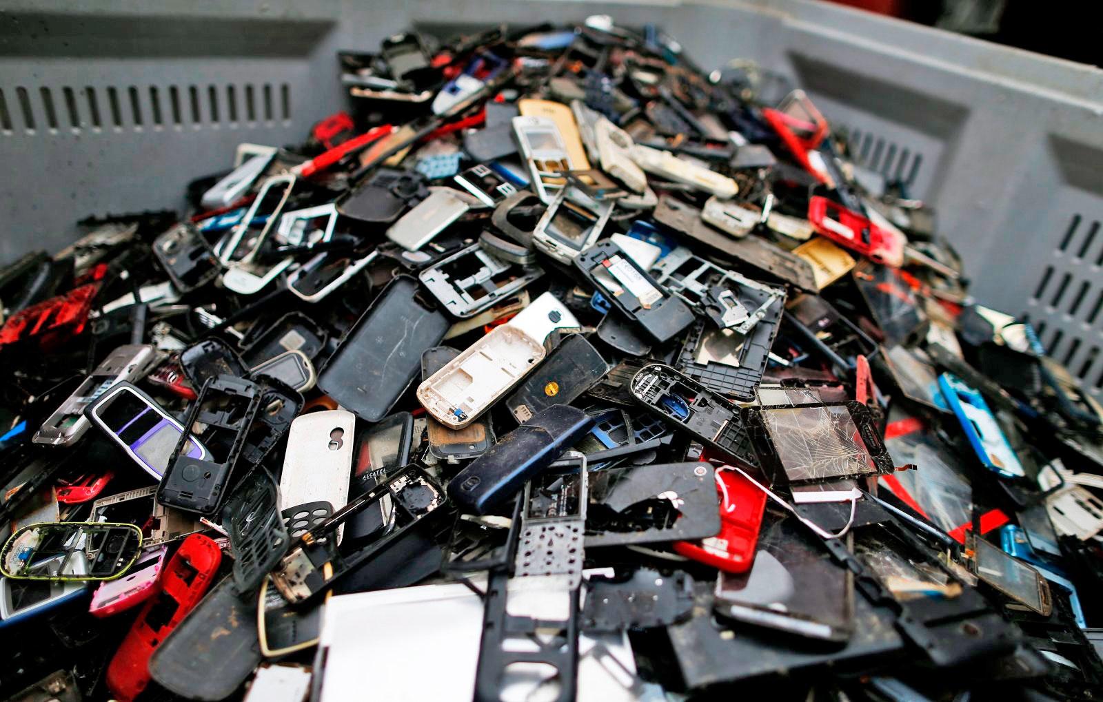 Standard per i caricabatterie telefonici, l'Europa verso una legge
