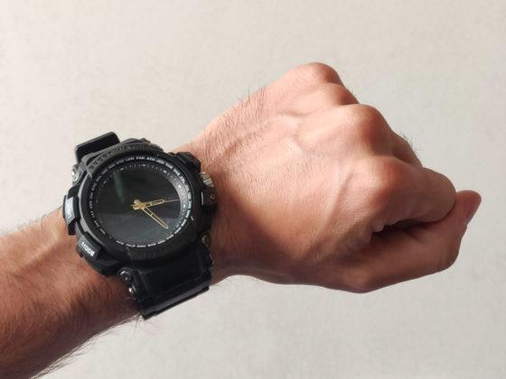 Diggro DI10, l'activity tracker con le lancette