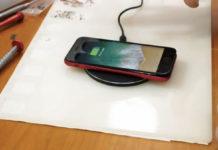 Un iPhone 7 modificato per integrare la ricarica wireless