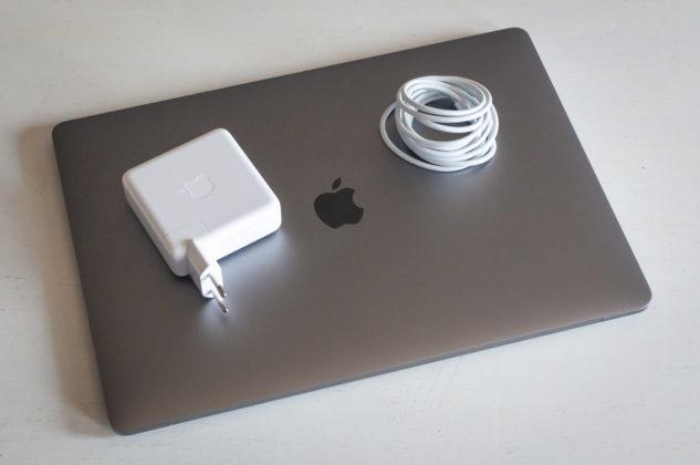 """Recensione MacBook Pro 2018 da 15″, Apple ridefinisce il termine """"professionale"""""""
