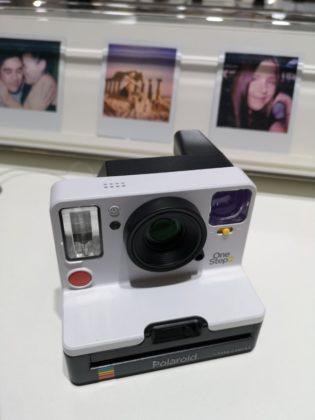 Polaroid OneStep+, fotocamera istantanea analogica con un'app per smartphone