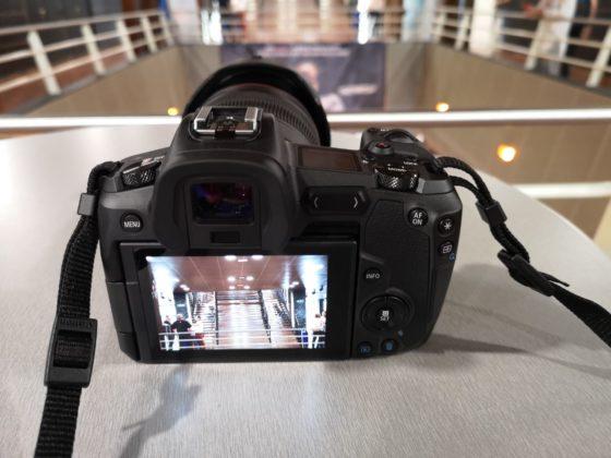 Prime impressioni Canon EOS R