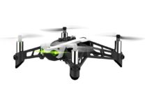 Docenti e ragazzi pilotano droni e creano videogiochi con il linguaggio Swift di Apple