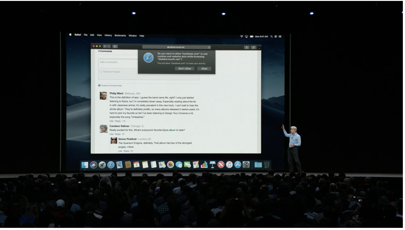 """Craig Federighi, Senior Vice President Software Engineering di Apple, spiega la funzione Intelligent Tracking Prevention che aiuta a impedire ai pulsanti """"Mi piace"""" o """"Condividi"""" dei social media e ai widget di commento di tracciare gli utenti senza la loro autorizzazione. Foto: Rob Pegoraro / The Parallax"""