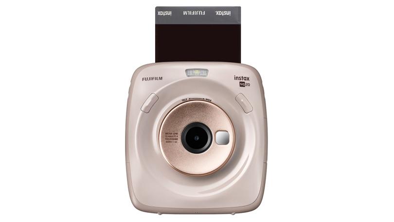 Instax Square SQ20, la fotocamera istantanea che riprende anche i video